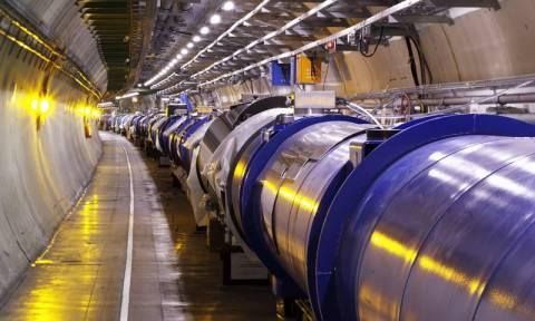 Μεγάλη μέρα για τον CERN - Αρχίζουν οι κανονικές συγκρούσεις σωματιδίων στον επιταχυντή