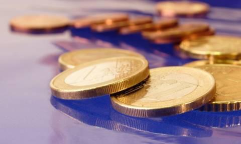 Σε ποσοστό 0,14% υποχωρεί το ευρώ και διαμορφώνεται στα 1,1134 δολάρια