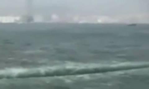 Βιβλικές εικόνες στο Χονγκ Κονγκ: Η θάλασσα άνοιξε στα… δύο! (video)