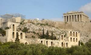 Βανδαλισμοί στον αρχαιολογικό χώρο της Ακρόπολης (photos)