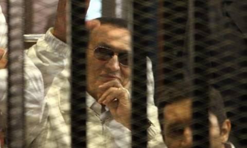 Αίγυπτος: Επανάληψη της δίκης του Μουμπάρακ για τις δολοφονίες διαδηλωτών το 2011
