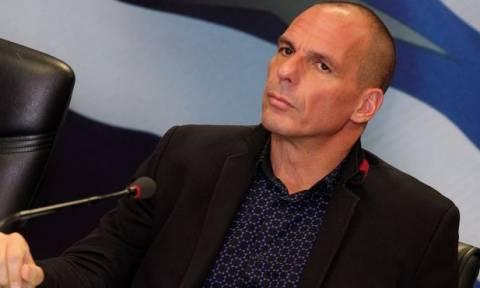 Βαρουφάκης: Οι Έλληνες χρειάζονται έναν «Λόγο Ελπίδας» εκφωνημένο από τη Μέρκελ