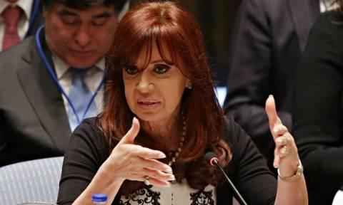 Η πρόεδρος της Αργεντινής συνάντησε στη Μόσχα τον Έντουαρντ Σνόουντεν