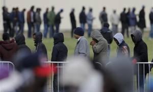 Βρετανία: Στριμωγμένοι σε εμπορευματοκιβώτιο 68 μετανάστες