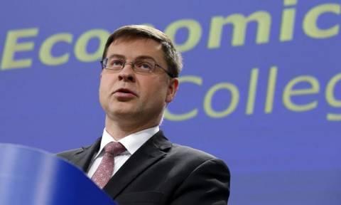 Ντομπρόβσκις: Ενδεχόμενο ύφεσης της ελληνικής οικονομίας το 2015