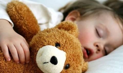 Παιδί και ροχαλητό: Πότε πρέπει να ανησυχήσουμε και τι μπορούμε να κάνουμε;