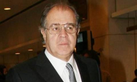 Πώς απαντά ο Θ. Αγγελόπουλος για τα δύο γεωτρύπανα