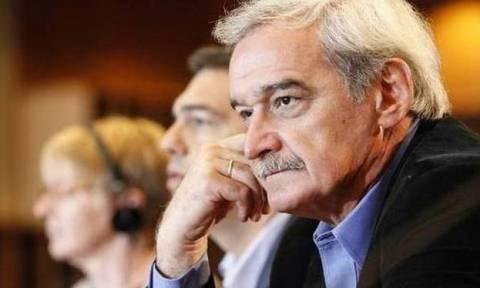 Χουντής: Ο Γιούνκερ εξυπηρετεί άλλα συμφέροντα