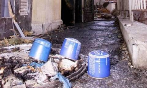 Γκαζάκια σε στέκι αντιεξουσιαστών στα Κάτω Πετράλωνα