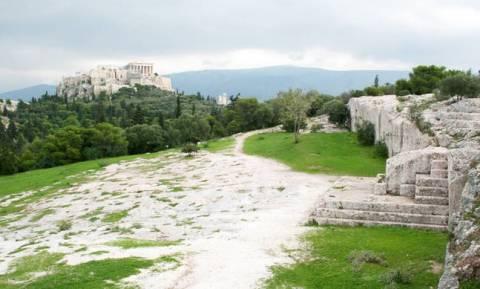 ΣτΕ: Μπορείς να περπατήσεις ξανά σε Πνύκα, άλσος Νυμφών και Φιλοπάππου