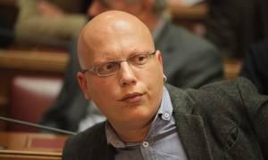Βουλευτής του ΣΥΡΙΖΑ καταγγέλλει: Οκτώ ευρώ για ένα χυμό πορτοκάλι!