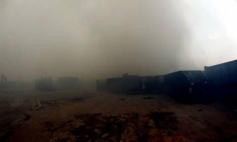 Κλειστά τα σχολεία στον Ασπρόπυργο λόγω της φωτιάς στο εργοστάσιο ανακυκλώσιμων υλικών