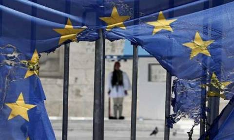 DW: Να τελειώνει το πείραμα στην ευρωζώνη με τους Έλληνες