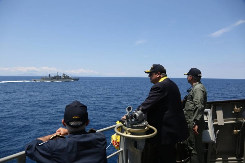 Πρόκληση σε όλο της το μεγαλείο! Τουρκικό πολεμικό πλοίο μέσα στο πεδίο βολής Άνδρου