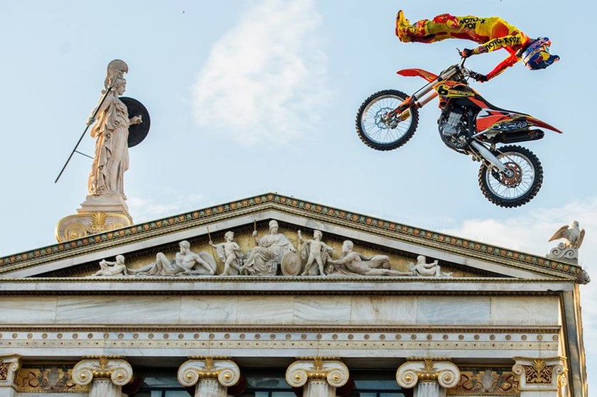 Red Bull X-Fighters: Οι Star του Freestyle Motocross στην Αθήνα