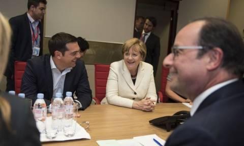 Ολοκληρώθηκε η τριμερής συνάντηση Τσίπρα, Μέρκελ και Ολάντ