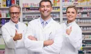 Ψηλά στην ελληνική κοινωνία ο ρόλος του φαρμακοποιού