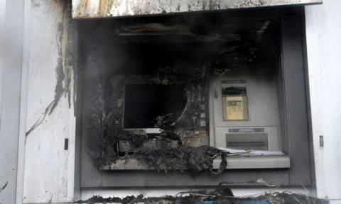 Μπαράζ εμπρηστικών επιθέσεων σε ΑΤΜ στην Αθήνα