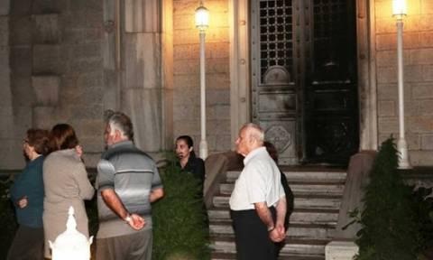 Ο Τούρκος προσπάθησε να κάψει την Αγ. Τριάδα στην Πόλη γιατί του το είπε στο όνειρό του ο Ιησούς!