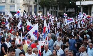 Σύνταγμα: Συλλαλητήριο του ΠΑΜΕ ενάντια στο «νέο μνημόνιο» (photos)