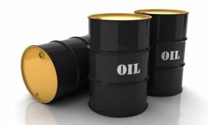 Λιγότερα 155.000 βαρέλια η ημερήσια παγκόσμια παραγωγή πετρελαίου το Μάιο