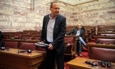 Στρατούλης: «Δεν θα υποχωρήσουμε σε πιέσεις για μείωση των συντάξεων»