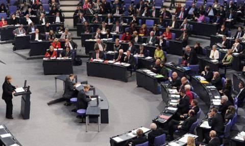 Η Μέρκελ συγκαλεί τη γερμανική Βουλή για την Ελλάδα στις 18 Ιουνίου