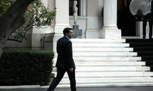 Σειρά επαφών Τσίπρα με υπουργούς εν όψει του νέου γύρου διαπραγματεύσεων