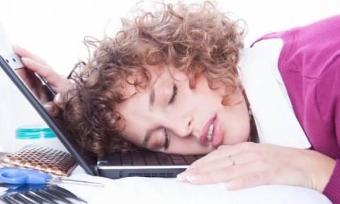 Μήπως σας λείπει ύπνος; Τα σημάδια που το μαρτυρούν