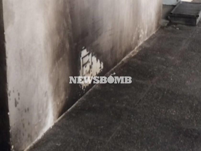 Επίθεση με μολότοφ στα γραφεία του ΠΑΣΟΚ (Photos)