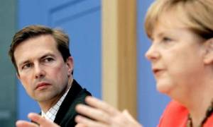Zάιμπερτ: «Η Γερμανία θέλει η Ελλάδα να μπορέσει να παραμείνει στην Ευρωζώνη»