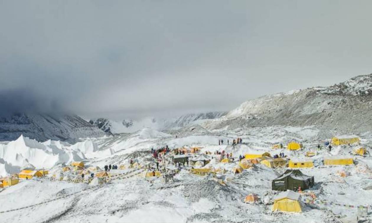 Νεπάλ: Ο σεισμός μετατόπισε το Έβερεστ, σύμφωνα με κινεζική μελέτη