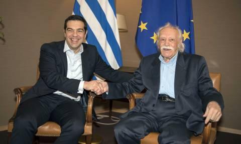 Παραιτείται από ευρωβουλευτής ο Μανώλης Γλέζος