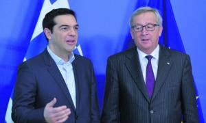 Γιουνκέρ: Έδωσα στον Τσίπρα επενδυτικό πακέτο 35 δισ. ευρώ