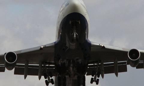 Βρετανία: Έπεσε από τον τροχό του αεροσκάφους μετά από 11 ώρες πτήσης