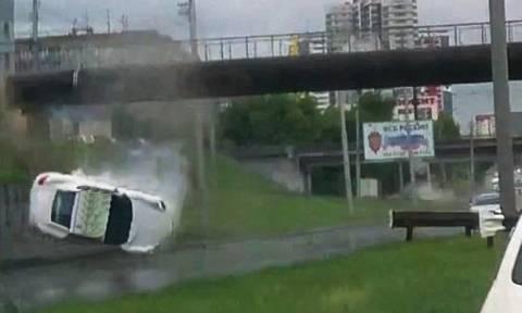 Τρομακτικό ατύχημα με Porsche στους δρόμους της Σιβηρίας (video)