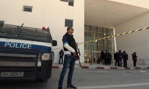 Τυνησία: Κλείνει το προξενείο της στην Τρίπολη της Λιβύης