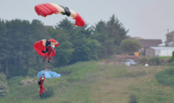 parachutist 306343