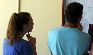 Πανελλήνιες 2015: Σε αυτές τις σχολές πέφτουν οι βάσεις