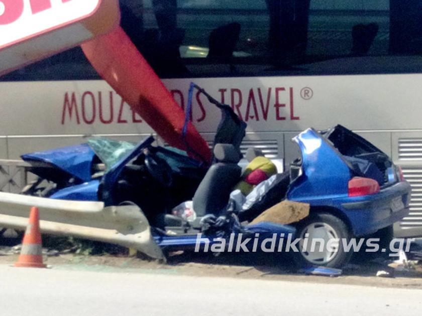 Χαλκιδική: Τροχαίο με νεκρό σε σύγκρουση τουριστικού λεωφορείου με ΙΧ