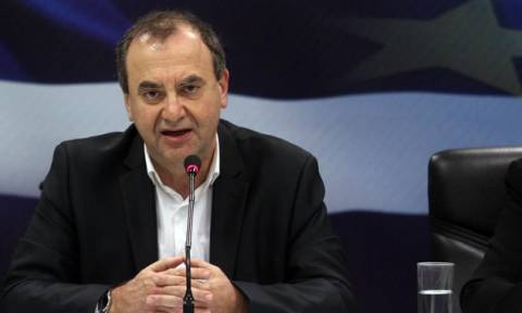 Στρατούλης: «Η κυβέρνηση δεν θα κάνει πίσω στις κόκκινες γραμμές»