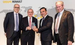 Renault: Βράβευση της TEOREN Motors από το Group Renault