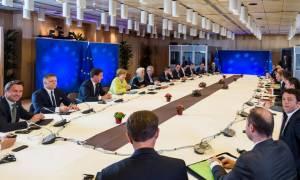 Bloomberg: Η ΕΕ αναμένεται να εξετάσει ανακούφιση του ελληνικού χρέους