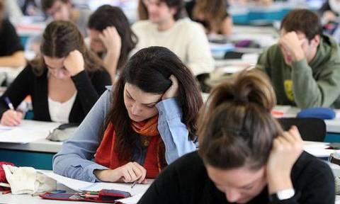 Πανελλήνιες Εξετάσεις 2015: Πώς έγραψαν οι μαθητές – Δείτε τα στατιστικά
