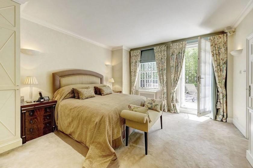Στο «σφυρί» διαμέρισμα του Ωνάση στο Λονδίνο (photos)