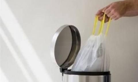Έτσι θα απομακρύνετε τη δυσωδία από τα σκουπίδια!