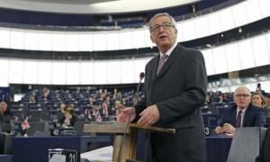 Ο Γιούνκερ ενημερώνει την Ευρωβουλή για το ελληνικό ζήτημα