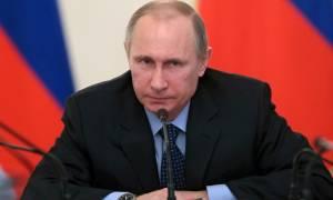 Ο Πούτιν παρέτεινε την απαγόρευση εισαγωγής τροφίμων από τη Δύση