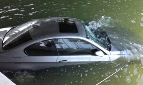 Μεσσολόγγι: Αυτοκίνητο έπεσε στη λιμνοθάλασσα