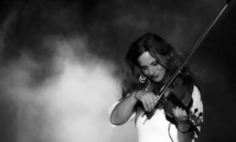 Η Ευανθία Ρεμπούτσικα για μία συναυλία στο Θέατρο Βράχων